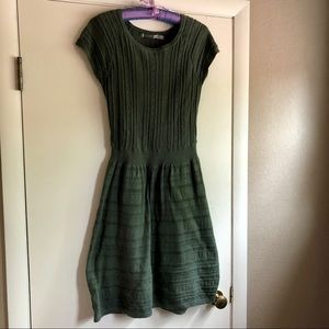 Athleta green cap sleeve sweater dress